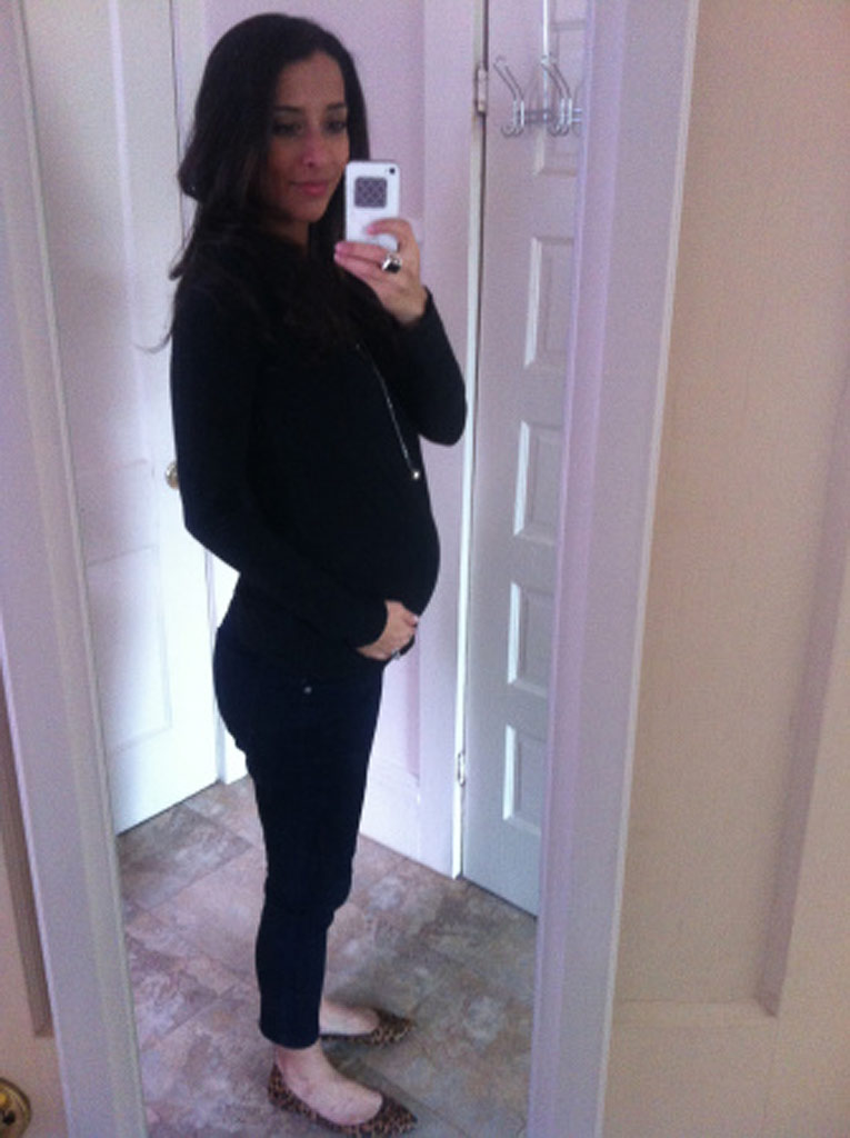 22 weeks pregnant with twins | The Maternity Gallery