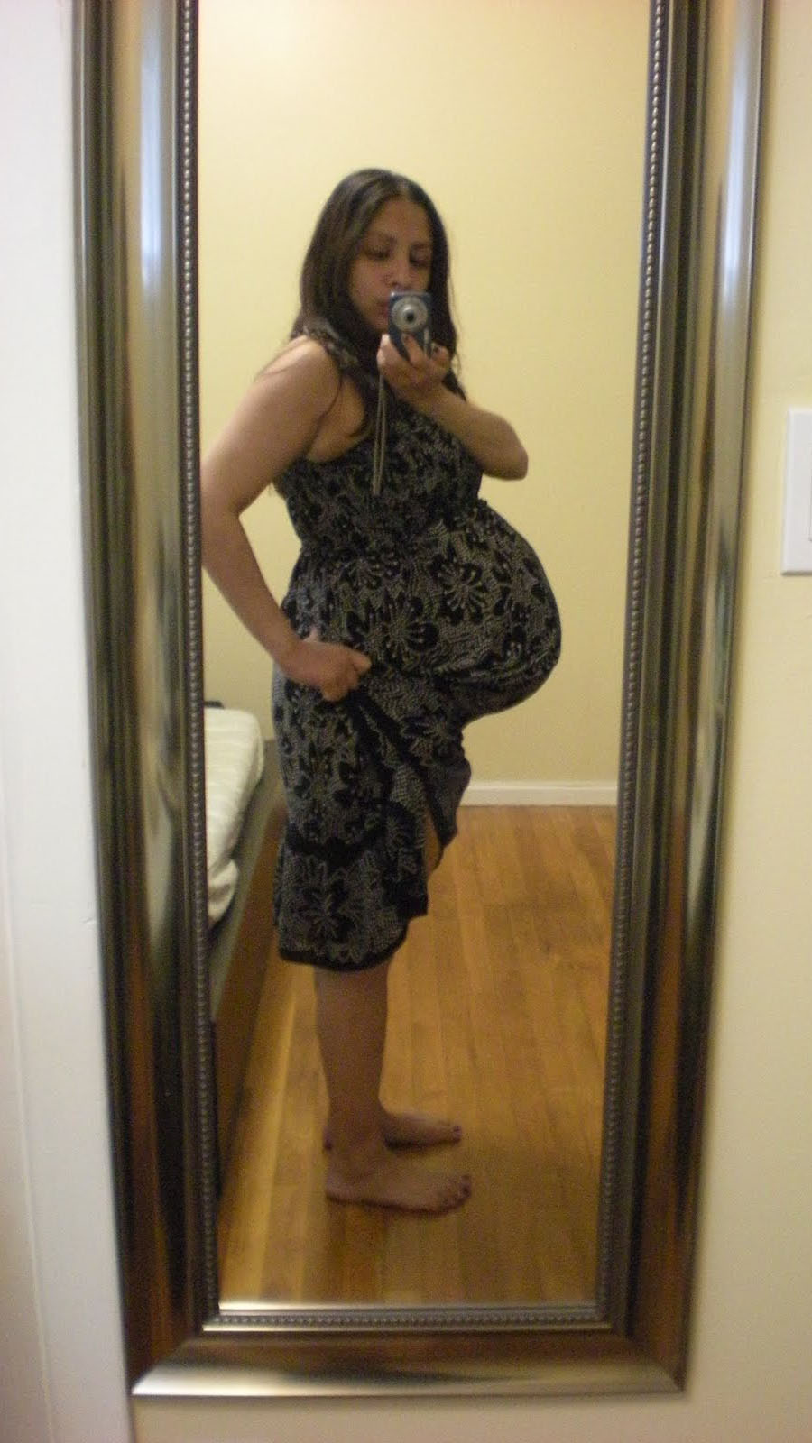 How big is a twin belly at 32 weeks?