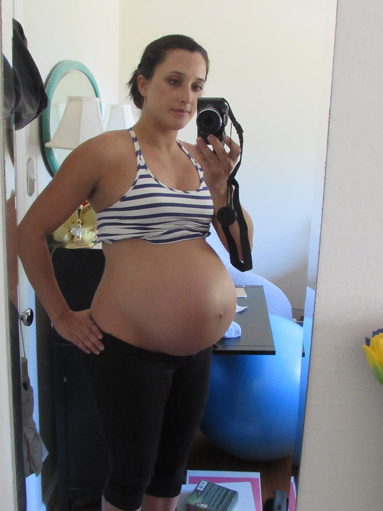 pregnant belly growth