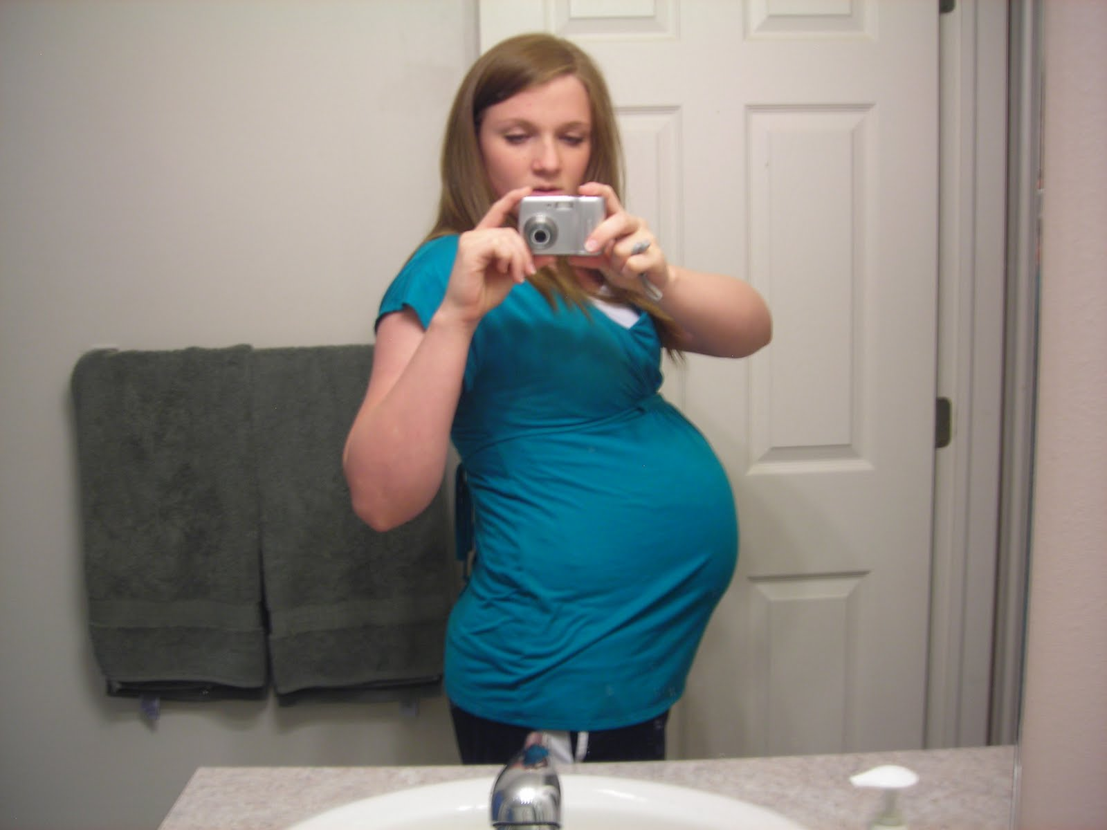pregnant belly at 41 weeks