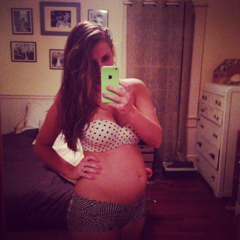 pregnant selfie